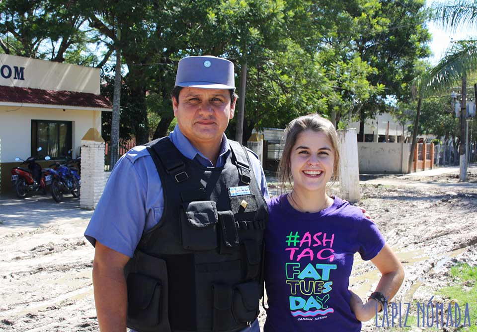 De Asunción a Resistencia a dedo | Almorzando en la comisaría