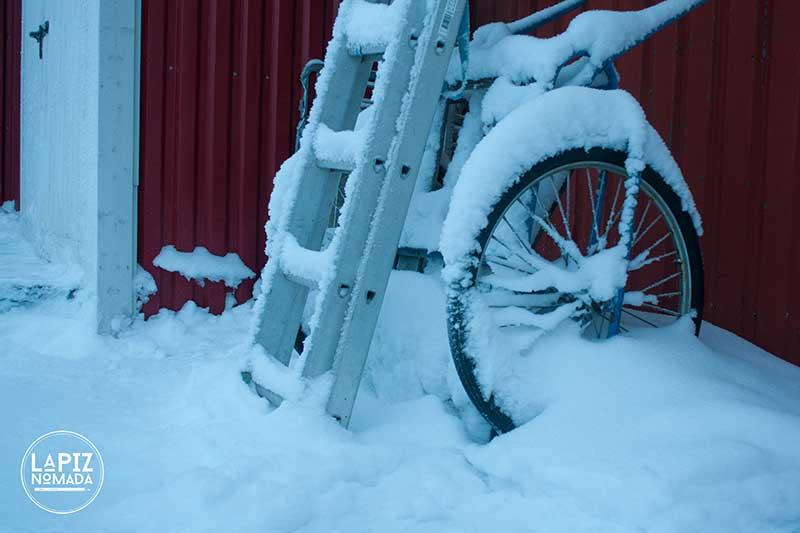 Laponia-La%CC%81piz-No%CC%81mada-0565 ▷ Viajar a Laponia a dedo para ver auroras boreales más allá del Círculo Polar Ártico ✅